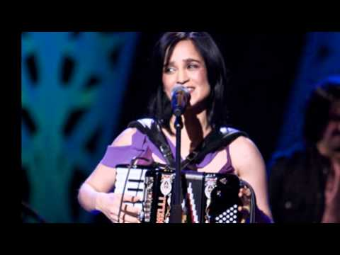 Julieta Venegas - Sin documentos