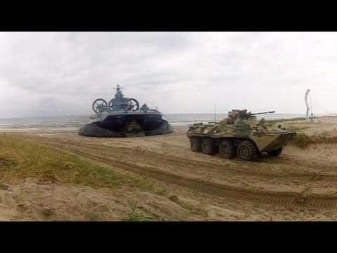 Russia carries out new military exercises close to Ukraine border