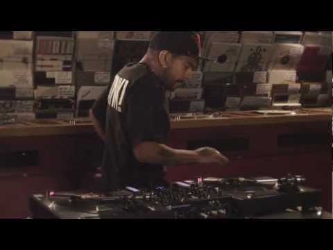 Traktor Kontrol Z2: Turntablism with DJ Craze