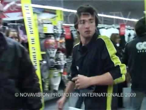 Hidden Camera : Sport Shop (Mad Boys)