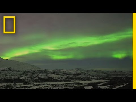 Amazing Northern Lights Time Lapse Video