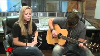 Josh Gracin Honors Military Widow With Song