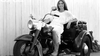 Watch Emmylou Harris The Pearl video