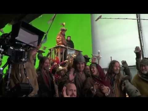 The Hobbit: The Desolation of Smaug Extended Edition - Lake-town Magic featurette - Official HD