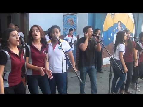 Grupo Gaitero en la  Navidad 2014 del Colegio Betania Valencia
