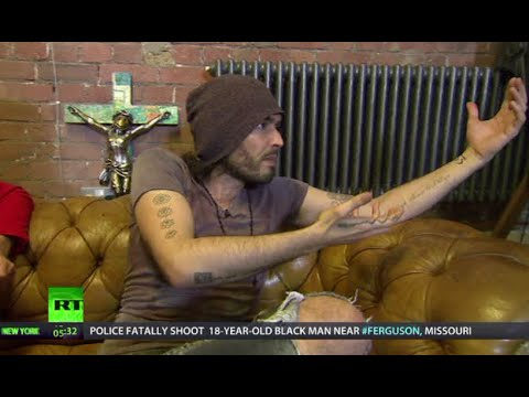 Keiser Report: Remove money from politics! (E697, ft. Russell Brand)