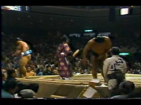 昭和60年夏場所初日 千代の富士 対 小錦
