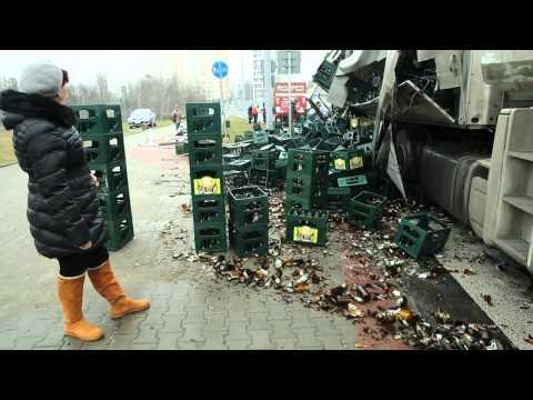 Wypadek Tira Z Piwem Na Al. Andersa W Lublinie