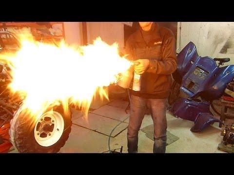 Придурки открывают цистерну бензовоза... паяльной лампой!