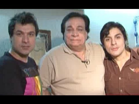 Kader Khan wants to promote his sons through theater