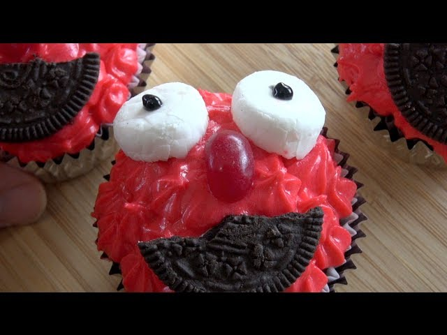 ELMO CUPCAKES - KIDS RECIPE