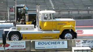 mack superliner burnout drag race vs. perterbilt