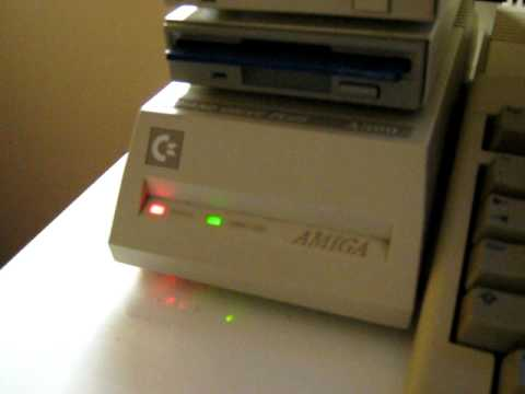 Commodore Amiga 500: Avvio con Commodore A590 20mb Hard Disk