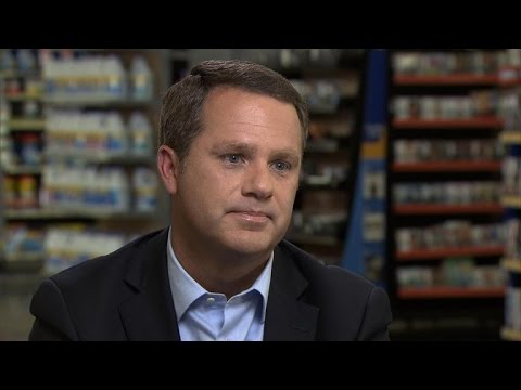 Walmart CEO on Tracy Morgan car accident, defends company's truck drivers
