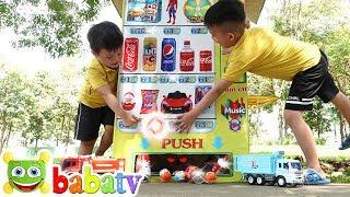 Bé Đức và Su Hào đi mua Coca Nhật Bản và trứng đồ chơi tại máy bán hàng tự động