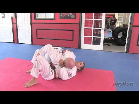 Issue #9 Pedro Sauer - Armbar Counter to Knee on Belly Image 1