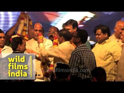Rajnath Singh and Vivek Oberoi join Luv-Kush Ramlila for Ravan Dahan - Delhi