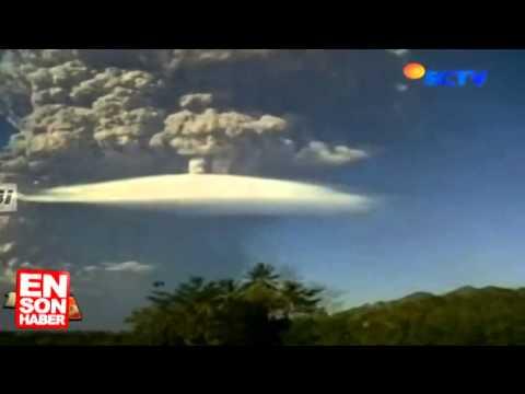 Boom The Sangeang Api Volcano Indonesia - Endonezya'da Sangeang Api yanardağı patladı