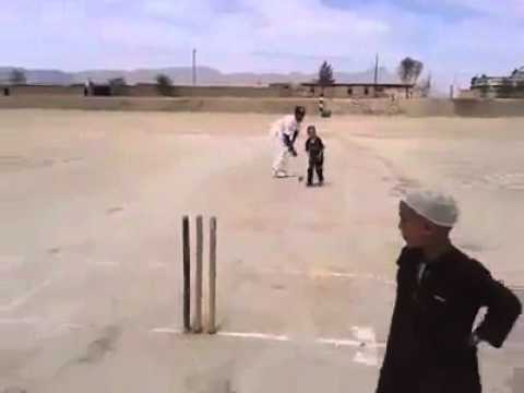 Amazing Cricket Talent 3 years kid amazing swing bowling 2014