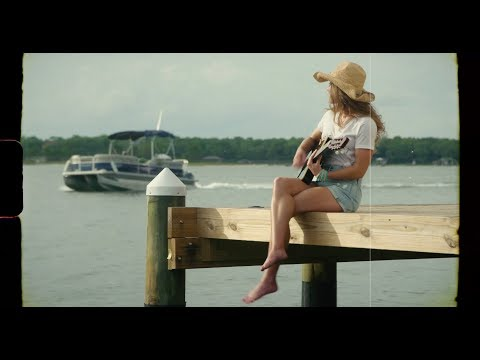 "Download  Caroline Jones - ""Gulf Coast Girl"" - ft. Jimmy Buffett, Kenny Chesney, Lukas Nelson & Mac McAnally Gratis, download lagu terbaru"