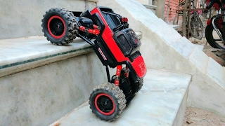 RC Adventure - 4x4 RC Truck / Rock Buggy - 1/14th Scale In Street