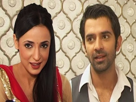 Arnav FIGHTS with Khushi and Insults her in Iss Pyaar Ko Kya Naam Doon 28th Feb 2012