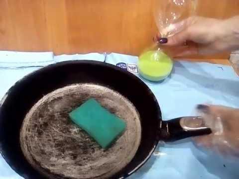 Как почистить сковороду Очень дешево и легко! убрать нагар how easy it is to clean the dishes