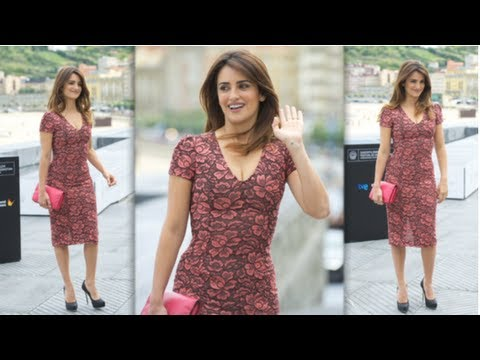 Penelope Cruz Fashion, L'Wren Scott Floral Sheath Dress, Fab Flash