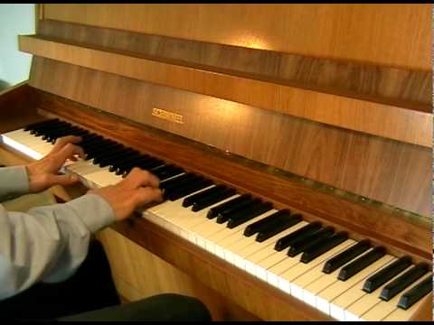 Johann Sebastian Bach - Prelude in F Major BWV 927 (piano)