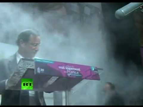Flour bomb video: French pres hopeful gets a bagful
