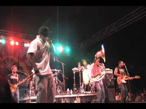 The Roots - I Can Understand It - Bobby Womack