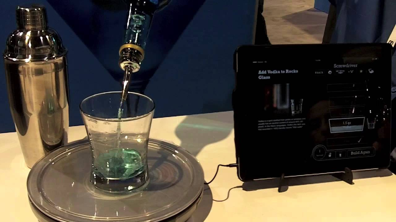 Perfect drink app controlled smart bartending ces 2014 for Perfect drink smart scale and app