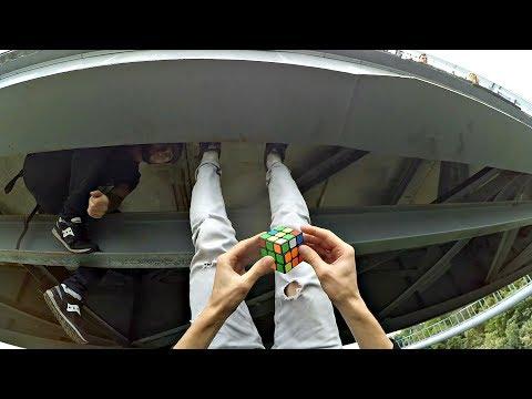 САМАЯ ОПАСНАЯ СБОРКА КУБИКА РУБИКА В МИРЕ | зацеп ногами