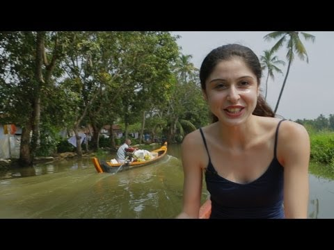 Canoe Ride : Kochi Backwaters