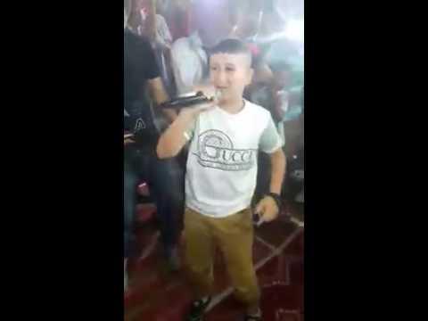 طفل صغير يبهر الجمهور في حفل زواج مدينة رأس الوادي thumbnail