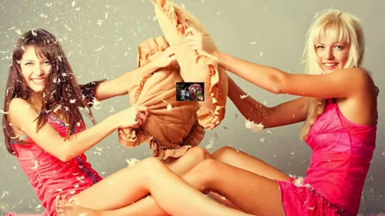 Фото блондинка и брюнетка танцуют 1 фотография
