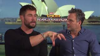 Chris Hemsworth & Mark Ruffalo burn Russell Crowe