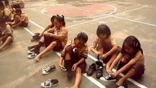 Lab Scout - GAME MEMAKAI KAOS KAKI & SEPATU 3 / 3
