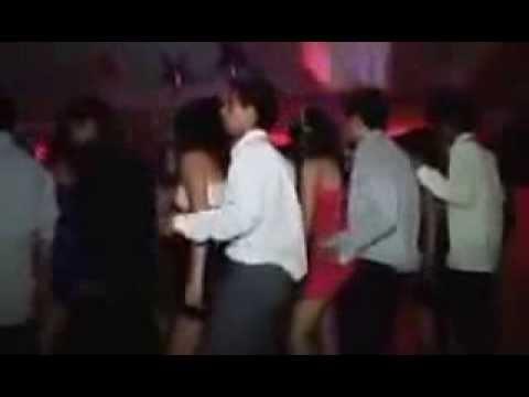 Asılmalık Videolar (Lise balosunda inanılmaz dans)