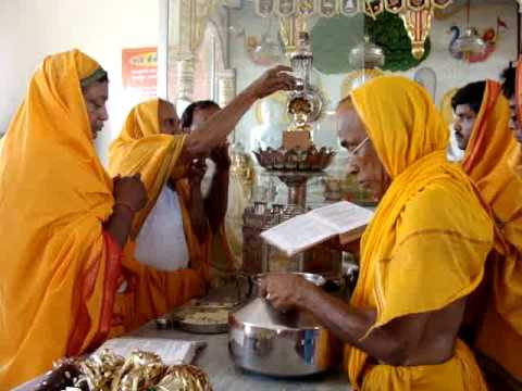 Prakshal At  Digamber Jain Temple Patiala video