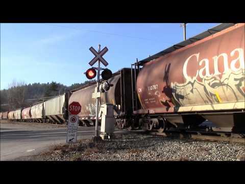 CN 310 (Mixed) @ Hatzic BC Canada 03DEC14 ES44AC 2815 Leading