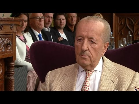 ★ Theo Hiddema gaat los in RTL Business Class ★ 12-03-2017 HD