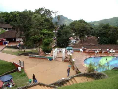 Vista de las piscinas en yanaconas youtube for Cerramiento para piscinas colombia