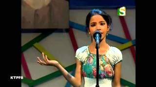 Aisha Aktar:  Kandeh Pakhi Thumar O Lagiya.
