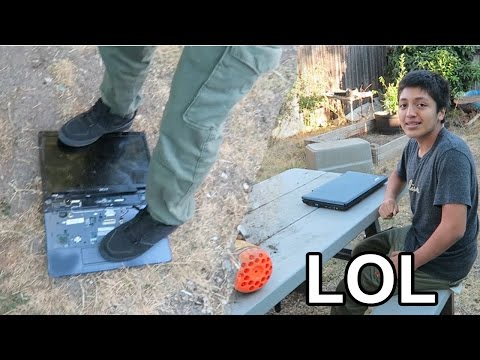 DESTROYING FRIENDS LAPTOP (PRANK)