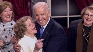 Biden cracks jokes with new Congress