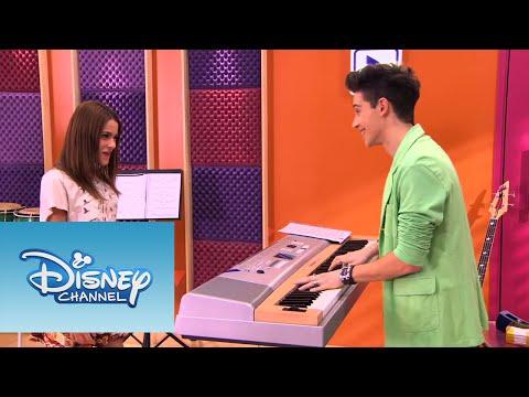 Mira más videos exclusivos de Violetta en http://www.disneylatino.com/disneychannel/series/violetta/ ¿Has visto este momento musical de Violetta? Te encantará. Síguenos en Facebook:...