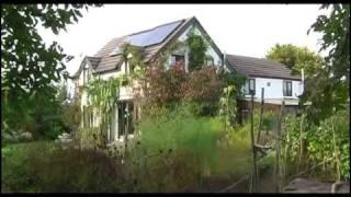 (10.2 MB) The Solar House Mp3
