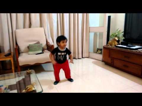 2year old vihaan dancing on Singh is bling - cinem
