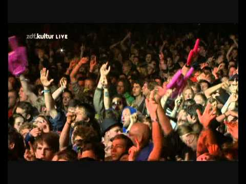 Kasabian - Fire (Hurricane 2011)